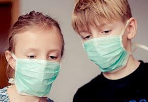 Kinderen /jongeren met weinig Covid-19 symptomen hebben veel virusdeeltjes